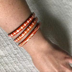 Jewelry - VINTAGE CARVED BANGLE SET